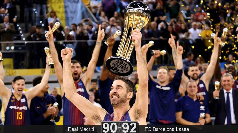 Foto: Juan Carlos Navarro, capitán del FC Barcelona, levanta el título de la Copa del Rey. (EFE)