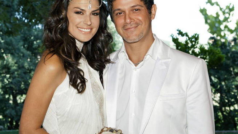 Alejandro Sanz y Raquel Perera, el día de su boda. (EFE)