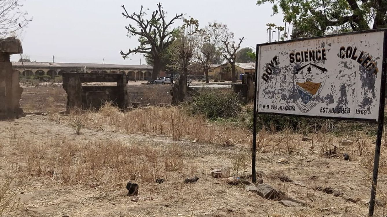 Unos bandidos secuestran a 300 alumnas en un colegio en el noroeste de Nigeria