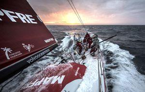 La desagradable noche del Mapfre en la Volvo Ocean Race