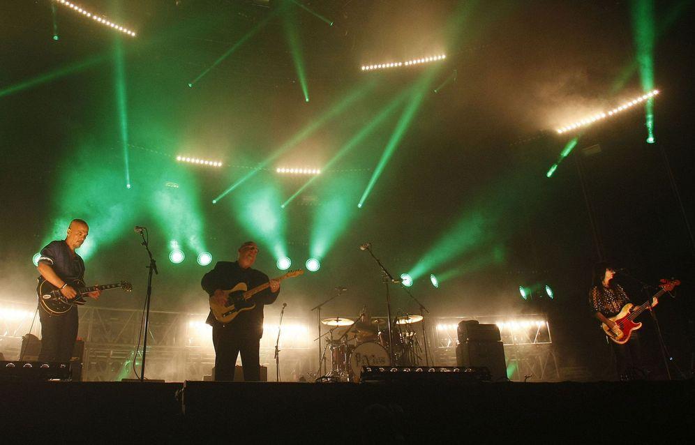 Foto: Los Pixies en la primera jornada del Low festival (Efe)