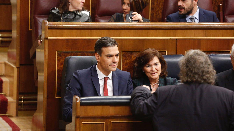 El PP acusa al Gobierno de alinearse con los radicales y Calvo pide no usar a las víctimas