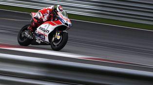 La climatología y el asfalto de Sepang, los primeros enemigos de Lorenzo y Ducati