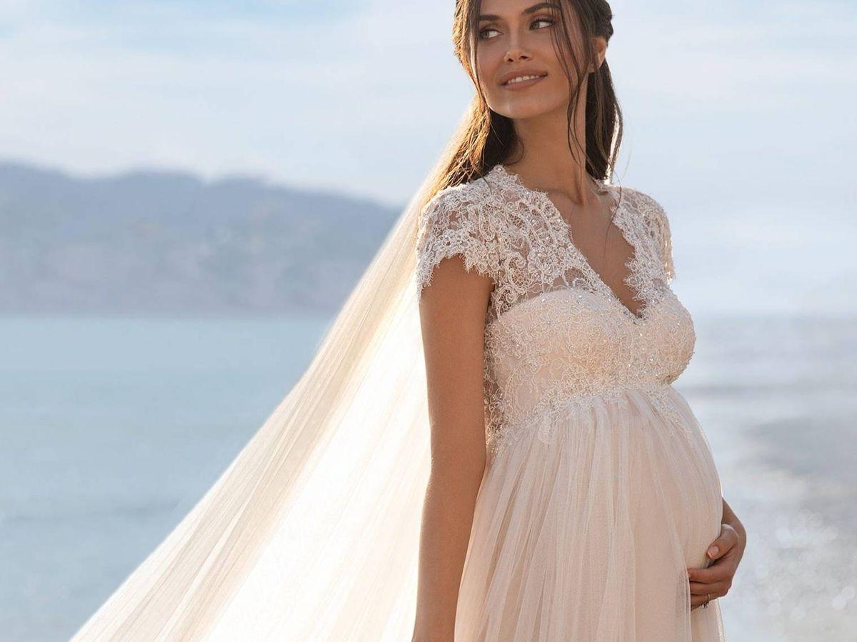 Foto: Vestido de novia para embarazadas de Pronovias. (Cortesía)