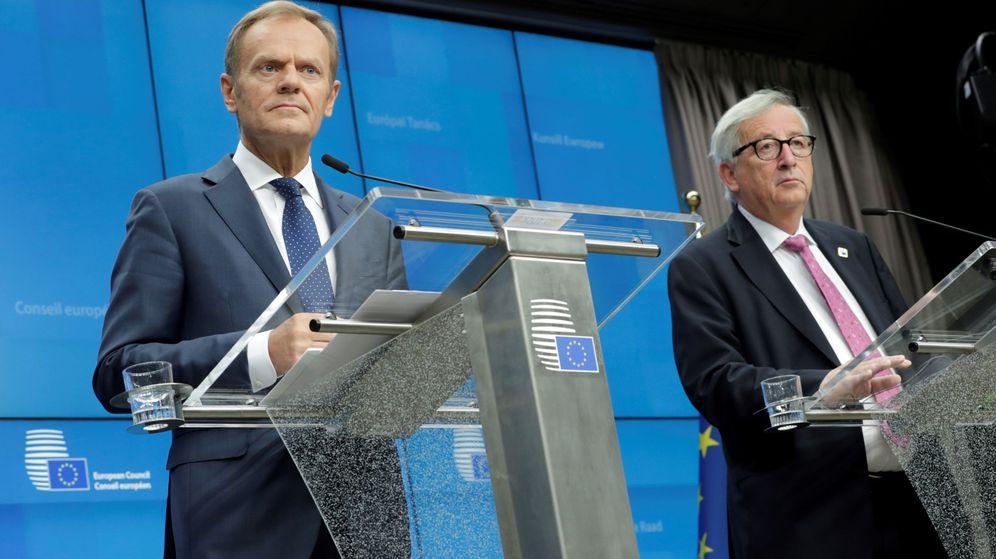 Foto: El presidente del Consejo Europeo, Donald Tusk, junto al presidente de la Comisión Europea, Jean-Claude Juncker. (EFE)