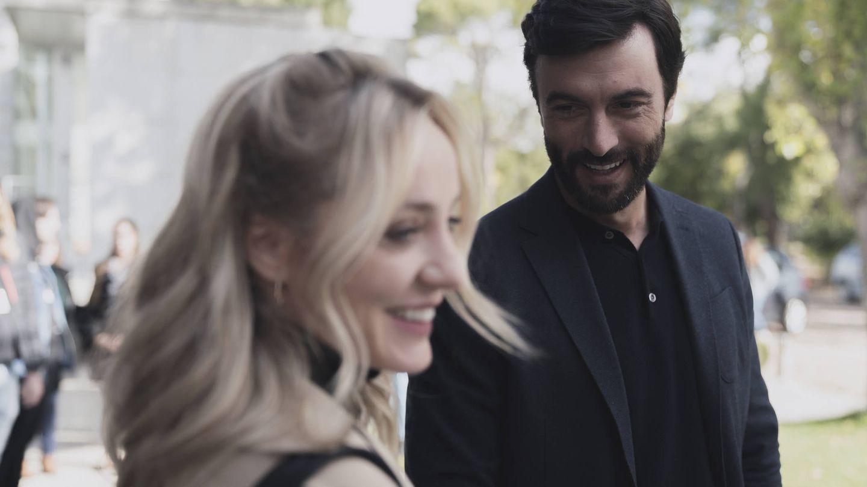 Javier Rey y Ángela Cremonte, en 'Mentiras'. (Atresmedia)