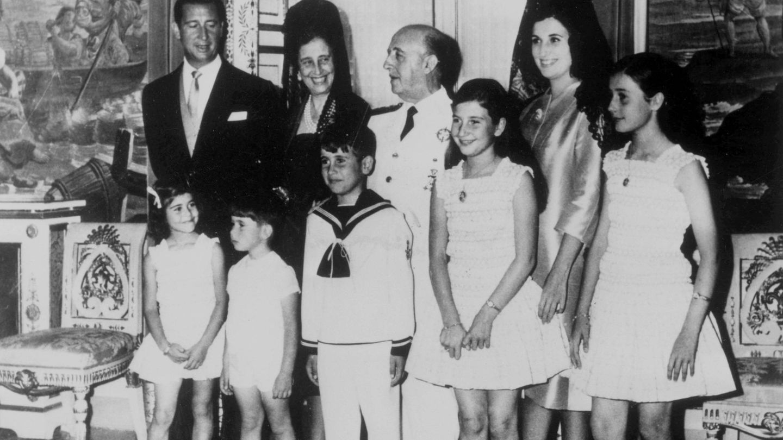 Franco y su familia. (Cordon Press)
