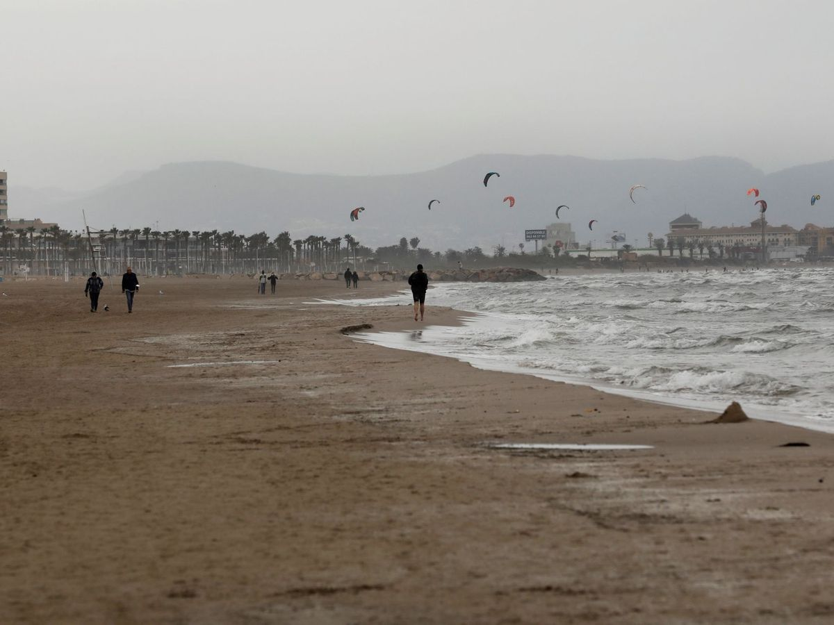 Foto: Playa de la Malvarrosa. (EFE)