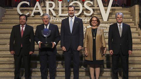 El Rey entrega a Tajani el Premio Carlos V: La democracia siempre gana al terrorismo