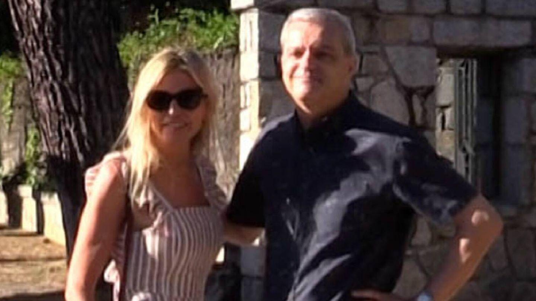 Ramón García y Patricia Cerezo posan ante los medios juntos tras conocerse su separación. (Gtres)