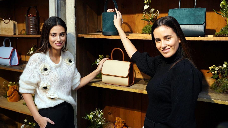 Alessandra de Osma y Moira Laporta enseñan su nueva colección. (Cordon Press)