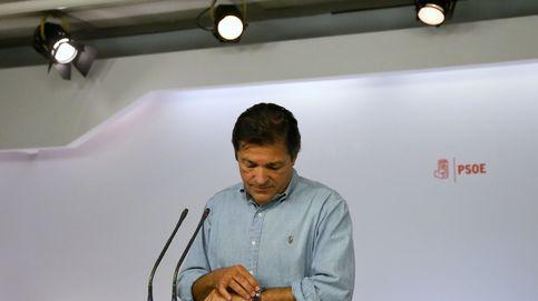 Fernández pasa al segundo plano y la gestora remata su tarea sin lograr pacificar el PSOE