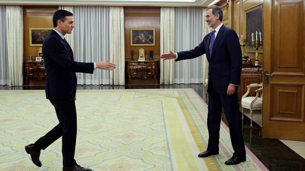 Foto: Sánchez y Felipe VI este miércoles. (Reuters)