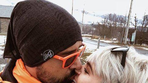 Risto y Laura: inicio de año entre esquís, besos y polémicas por su peso