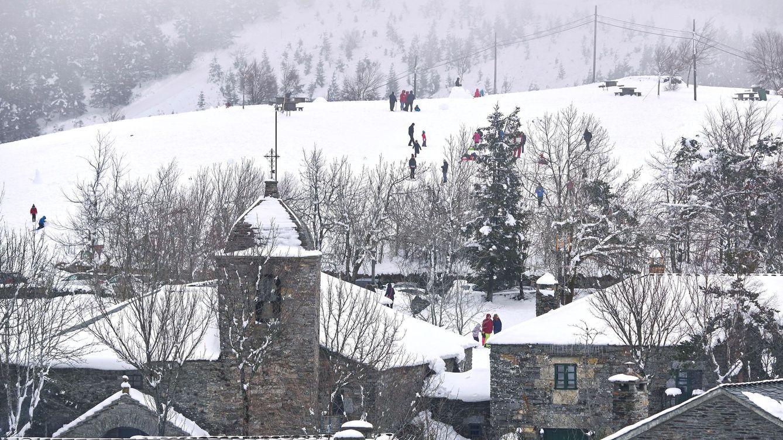 El invierno se despide con frío y alerta roja por nieve: lloverá el Domingo de Ramos