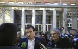 El PP acusa a Gómez de matonismo por amenazar con querella en la Hepatitis C