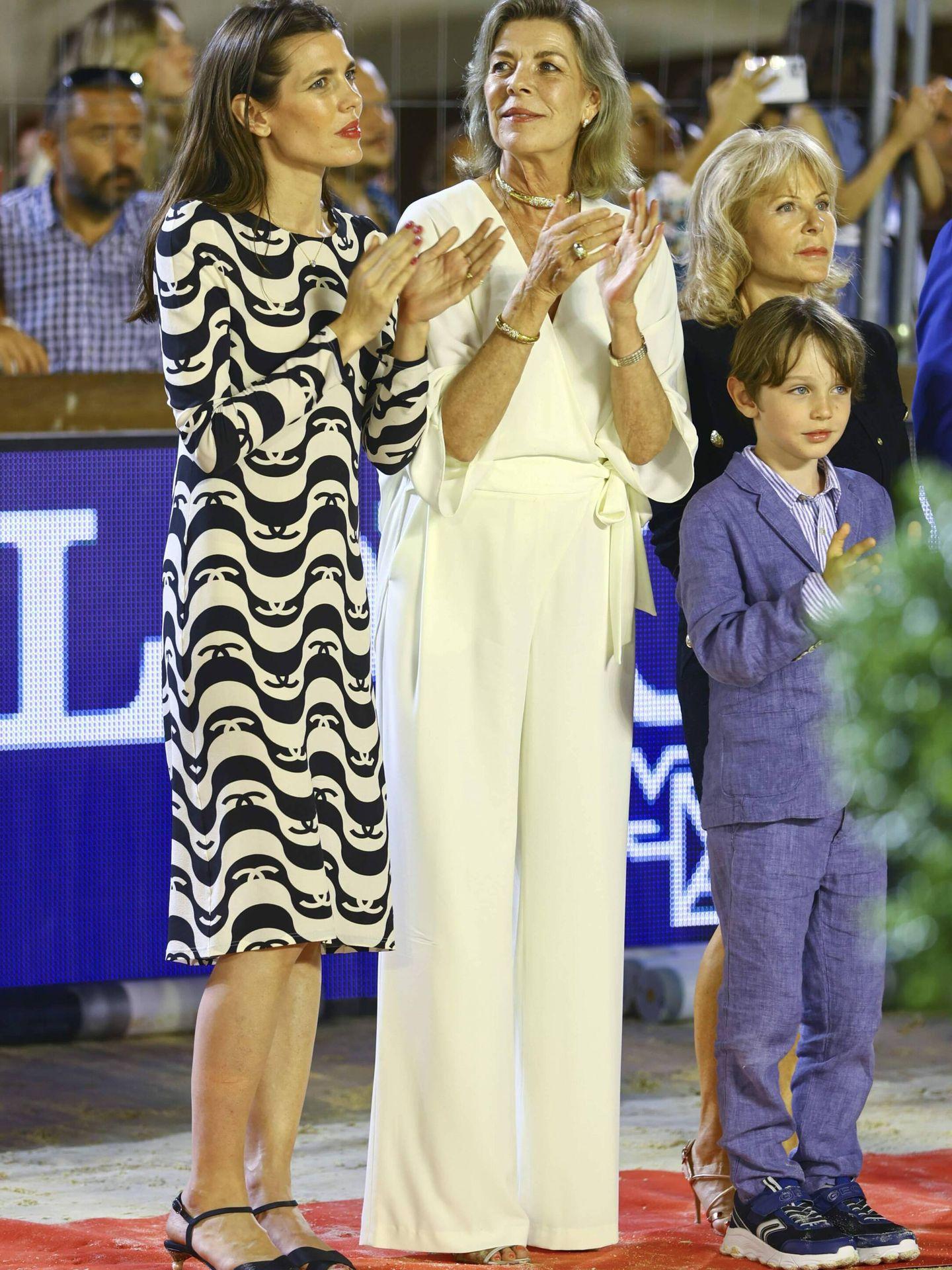 Carlota con su madre y su hijo. (Getty)