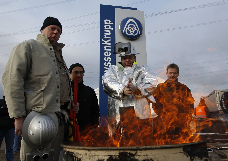 Foto: Trabajadores de 'ThyssenKrupp Nirosta' durante una protesta en la ciudad de Bochum, Alemania (Reuters).