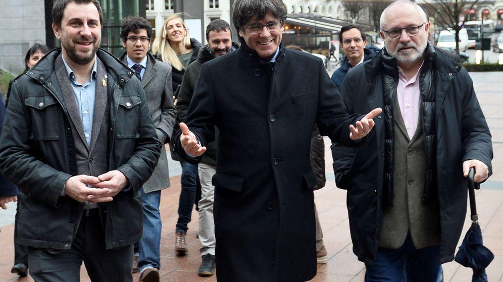 Foto: Carles Puigdemont y Toni Comín. (Reuters)