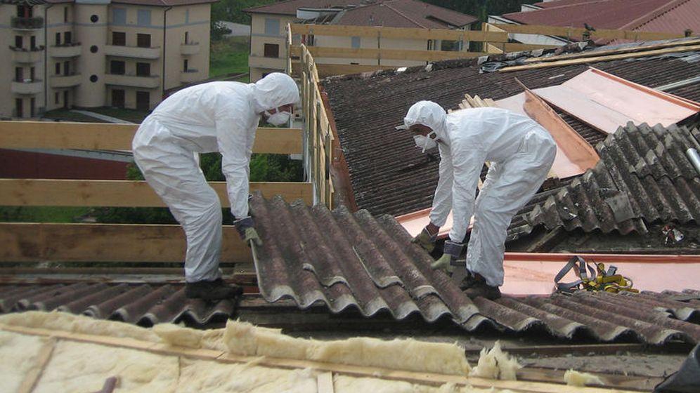 Foto: La Plataforma Málaga Amianto Cero calcula que hasta 239 centros educativos de la provincia pueden tener amianto instalado.