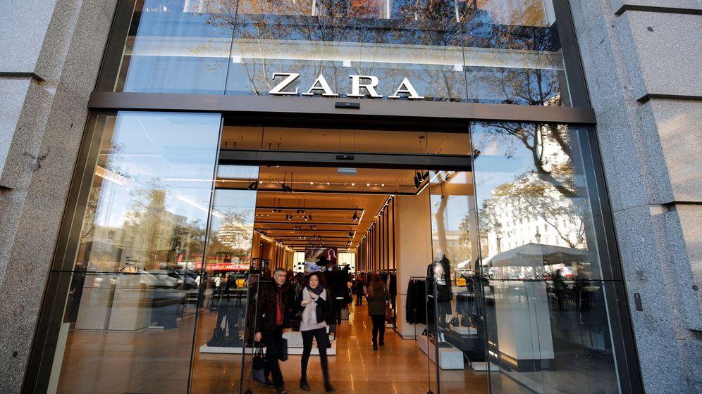 Foto: Fachada de una tienda de Zara en una céntrica calle de Barcelona. (Reuters)