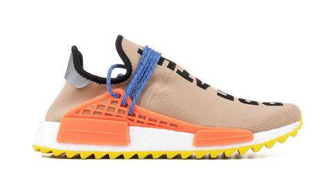 'Sneakers' con firma: nuevo símbolo de identidad para el hombre actual