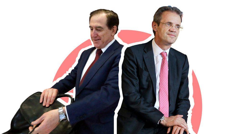 Foto: El presidente de Mapfre, Antonio Huertas (i), y el de Caixabank, Jordi Gual. (EC)