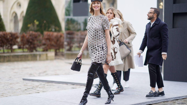 Foto: Chiara Ferragni yendo al desfile de Dior con el Lady Dior. (Getty)