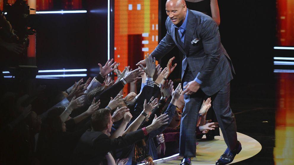 Blake Lively, Jennifer Lopez y Johnny Depp triunfan en los People Choice's Awards
