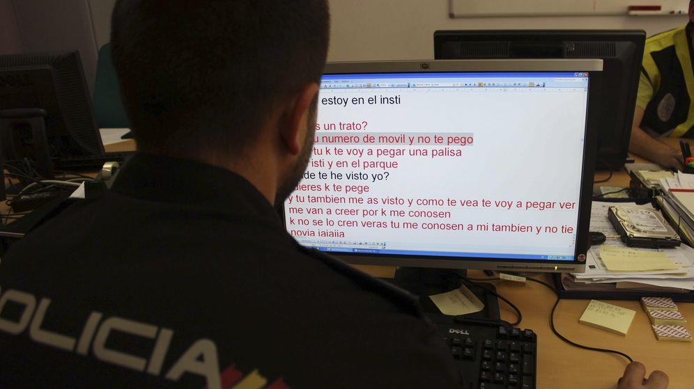 Foto: Equipo de la policía contra la pornografía infantil y el ciberacoso.