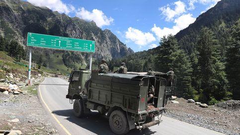China e India acuerdan no mandar tropas a la frontera del Himalaya mientras negocian