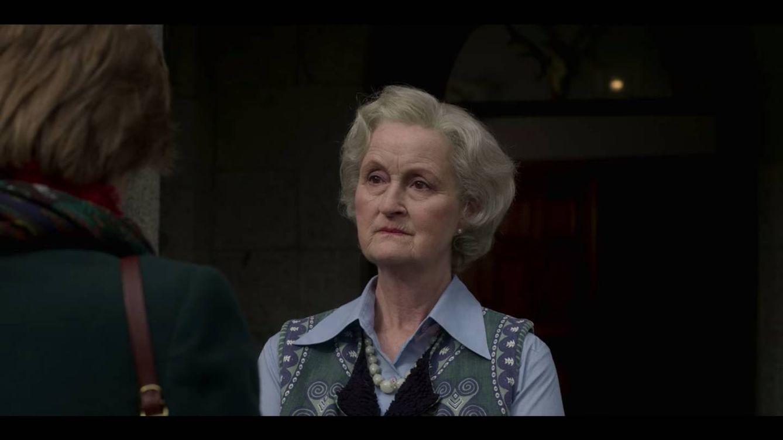 'The Crown' - Quién fue Lady Fermoy, abuela materna de Diana y fiel defensora de Carlos