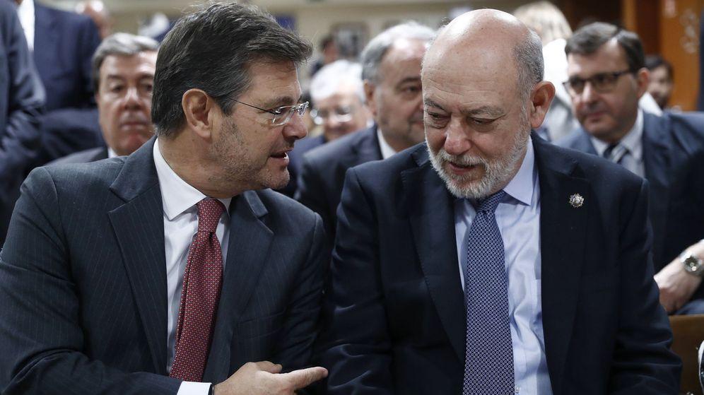 Foto: El ministro de Justicia, Rafael Catalá, y el fiscal general del Estado, José Manuel Maza. (EFE)
