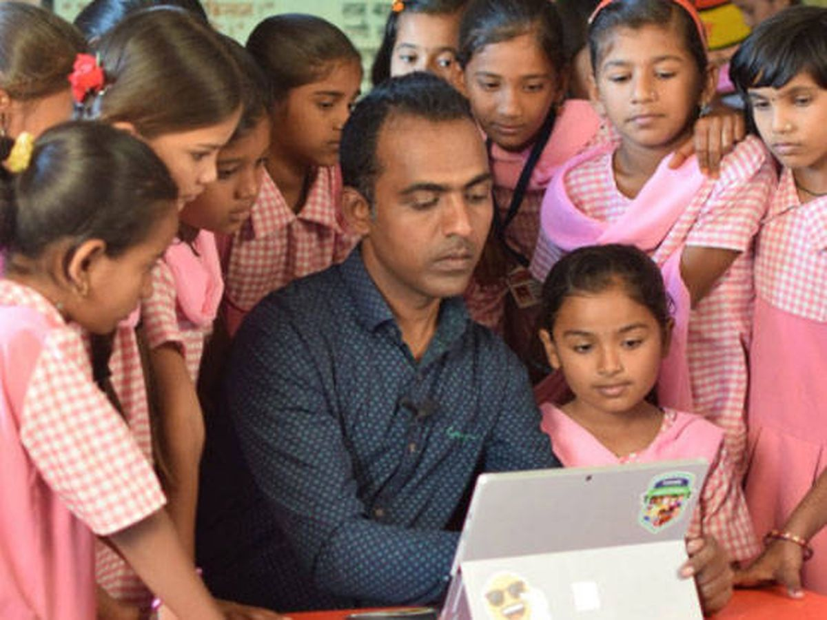 Foto: Ranjitsinh Disale gana el Global Teacher Prize (Foto: Twitter)