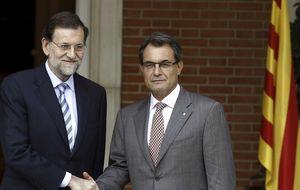 Mariano Rajoy ofrece voluntad política de invertir en Cataluña para aplacar a Artur Mas