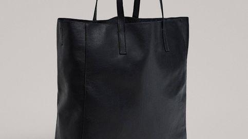 El bolso negro de piel de Massimo Dutti que debes fichar si el tuyo ya necesita un cambio