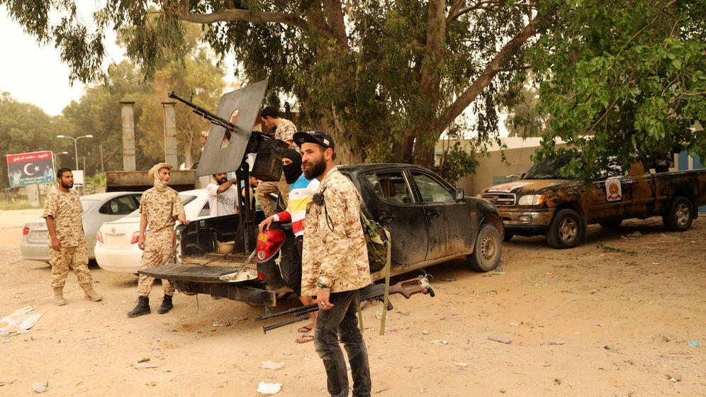 Foto: Soldados del gobierno libio en Ain Zara. (Reuters)
