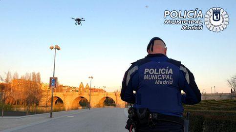 La Policía utiliza drones para pedir a los madrileños que se vayan a casa