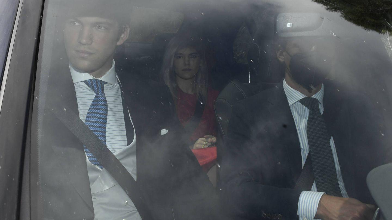 Isabella Ruiz de Rato y Juan Ruiz Rato a su llegada a la boda de Ernesto de Novales con Alejandra Ruiz Rato. (Gtres)