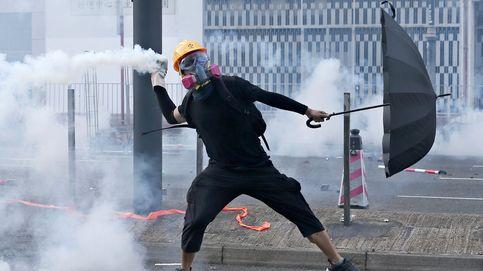 Enfrentamientos en Hong Kong: la policía dispara a un hombre en el pecho