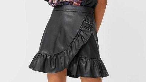Vas a entender las tres razones por las que hemos comprado esta falda de Stradivarius