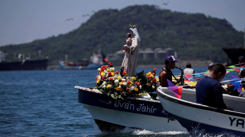 En diferentes partes del mundo se celebran procesiones maríticas en honor a la Virgen del Carmen, patrona de los marineros (EFE)