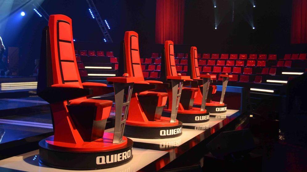 Foto: Las sillas de los coaches de 'La Voz'. (Mediaset)