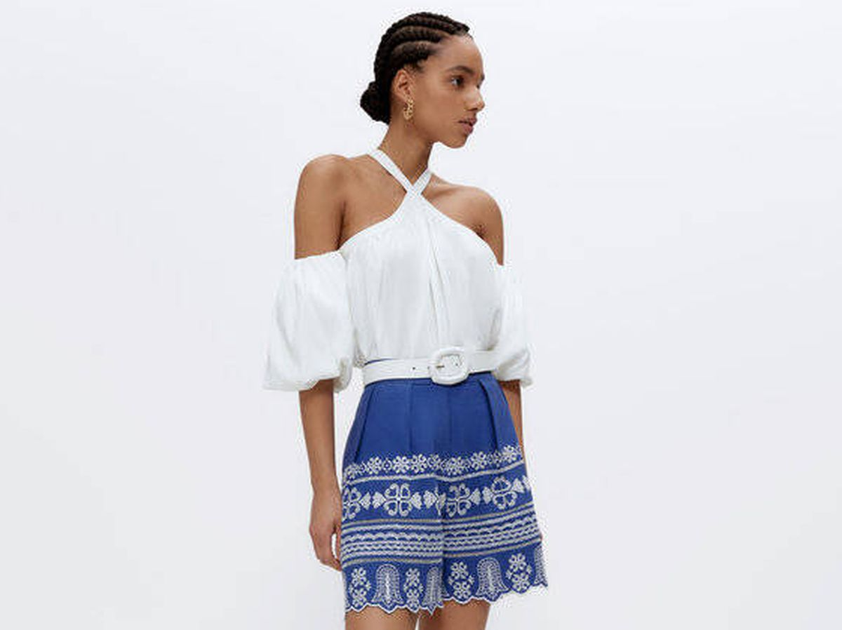 Foto: Look de blusa y bermuda de Uterqüe. (Cortesía)