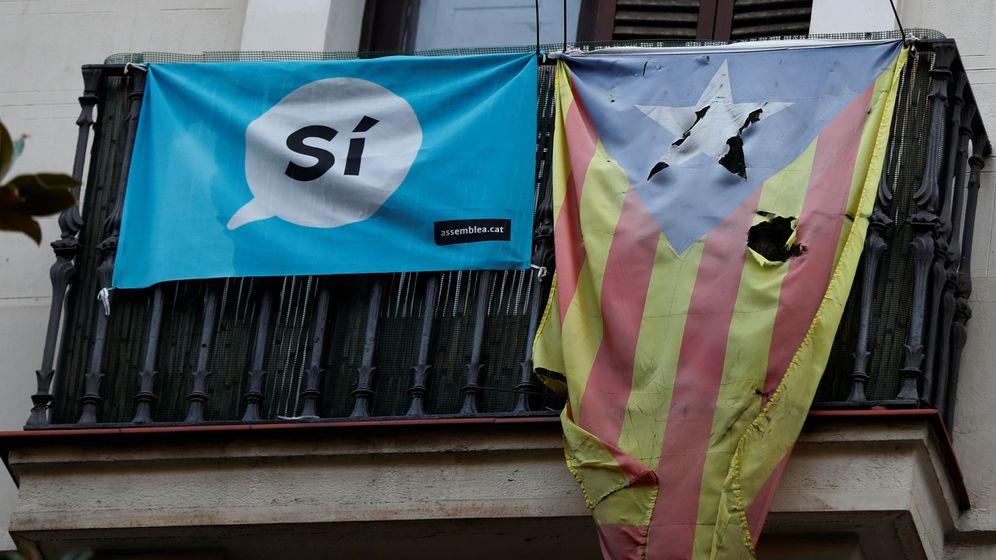 Foto: Una 'estelada' en un balcón de Barcelona. (Reuters)