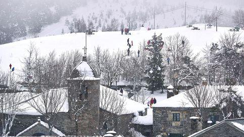 El invierno se va con frío y alerta roja por nieve: lloverá el Domingo de Ramos
