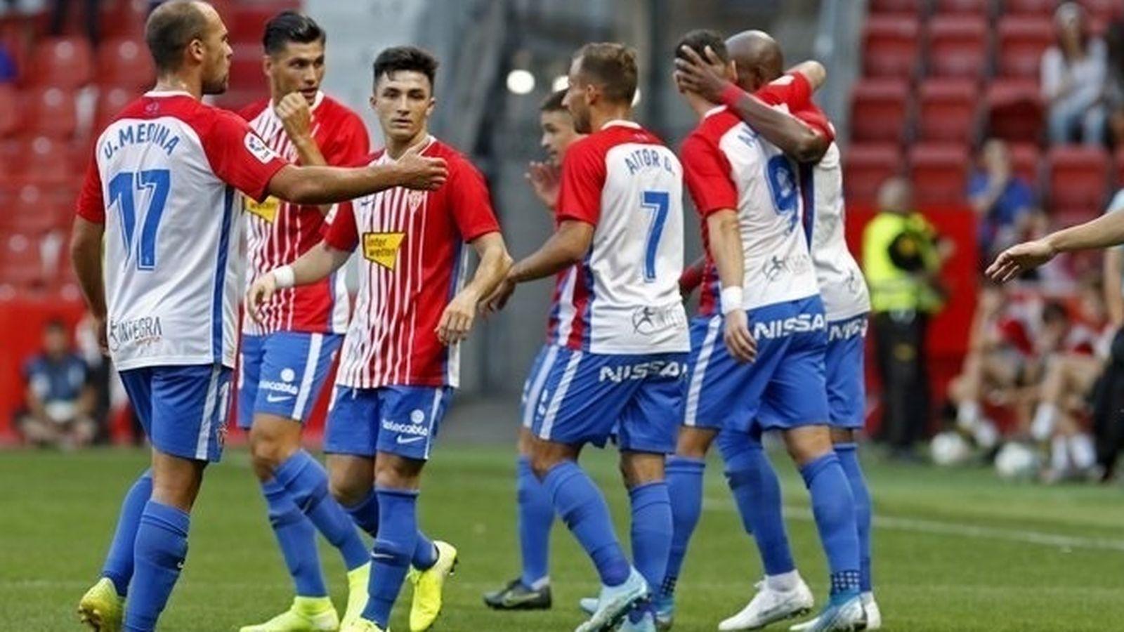 Foto: Jugadores del Sporting de Gijón celebran un gol. (Europa Press)