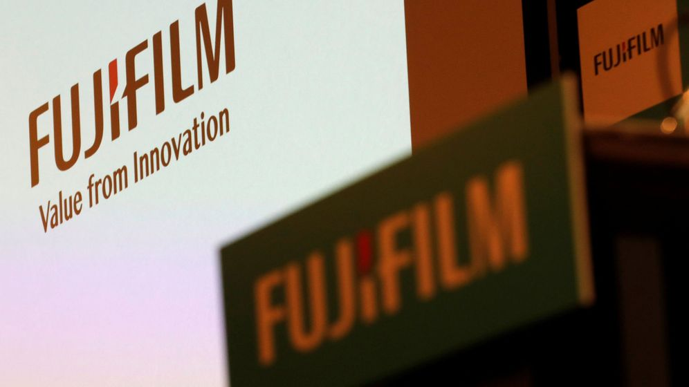Foto: Fujifilm holdings' logos are pictured ahead of its news conference in tokyo