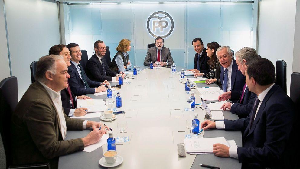 Rajoy cita a sus barones para estudiar cómo paliar el bloqueo de la legislatura