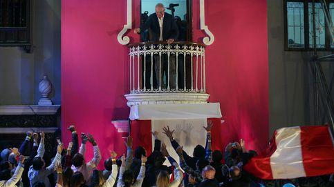 Kuczynski lidera el escrutinio en Perú con el 50,82% de los votos